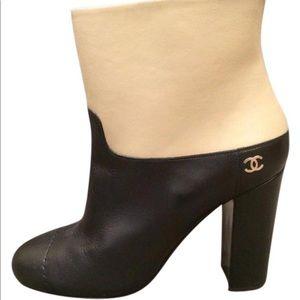 6771b9fa25d Women s Chanel Two Tone Shoes on Poshmark